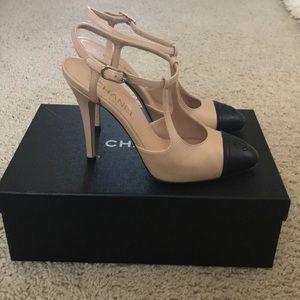 Chanel black and beige heels 38